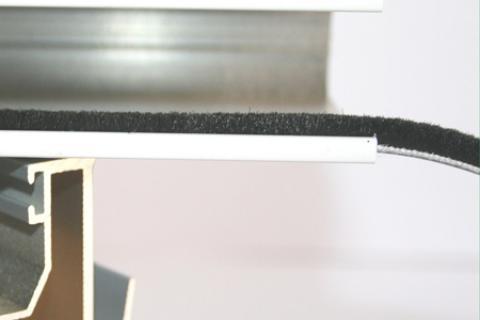 Phớt nỉ cửa nhôm đế 5.5 mm PB 5545 BP 3PJ BK